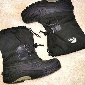 Black sorel size 4 waterproof winter boots